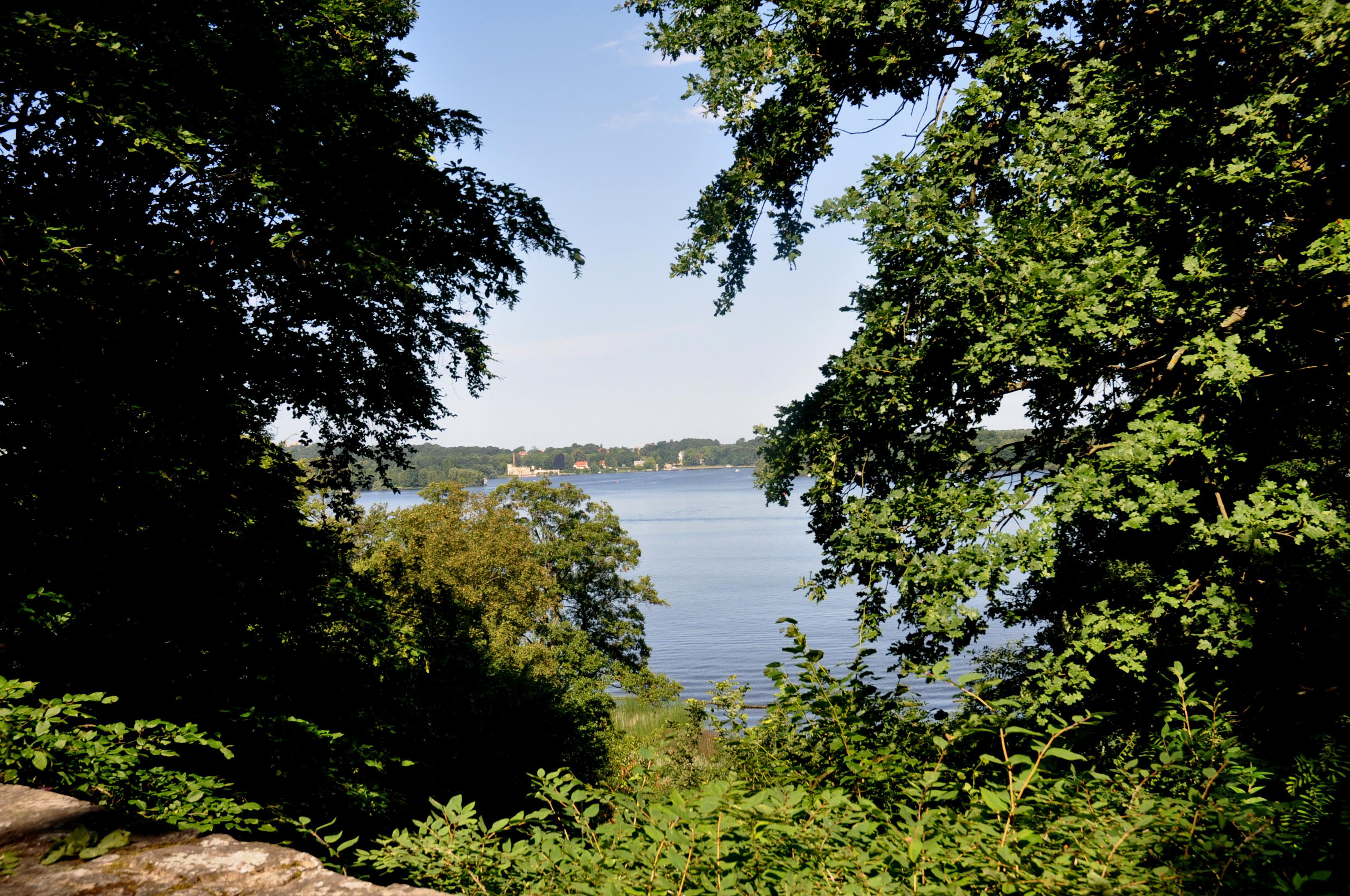 Glienicker Park, Foto: Andreas F.E. Bernhard (CC-BY-SA-3.0)